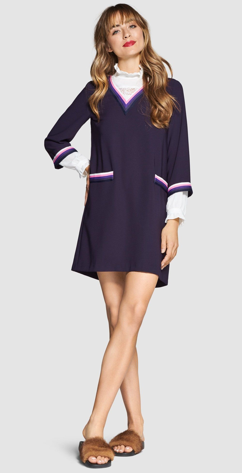 Sporty Chic Rich Royal Looks Shop By Look Rich Royal Colour Blocking Models Styling Tipps