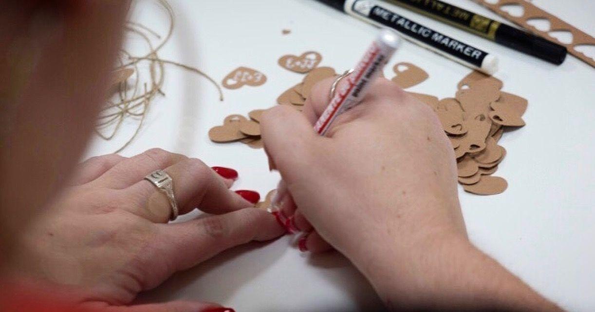 En LOVE nos implicamos al 100%, de principio a fin, consiguiendo una boda original, única y personalizada.  ¿Hablamos? Queremos contar tu historia de amor.  +info: hola@lovebodasyeventos.com  LOVE  #love #amor #happy #feliz #wedding #weddingplanner #taller #decor #inspiration #handmade #inlove #happy #feliz #navidad #invitaciones #weddingdress #destinationwedding #Cádiz #Sevilla #Jerez #moda #fashion #fashionblogger #travel #travelblogger #boda #bodasbonitas