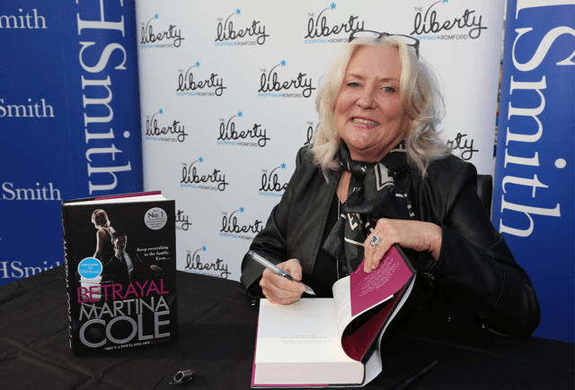 Crime Fiction Fans flock to the Liberty to meet Martina Cole