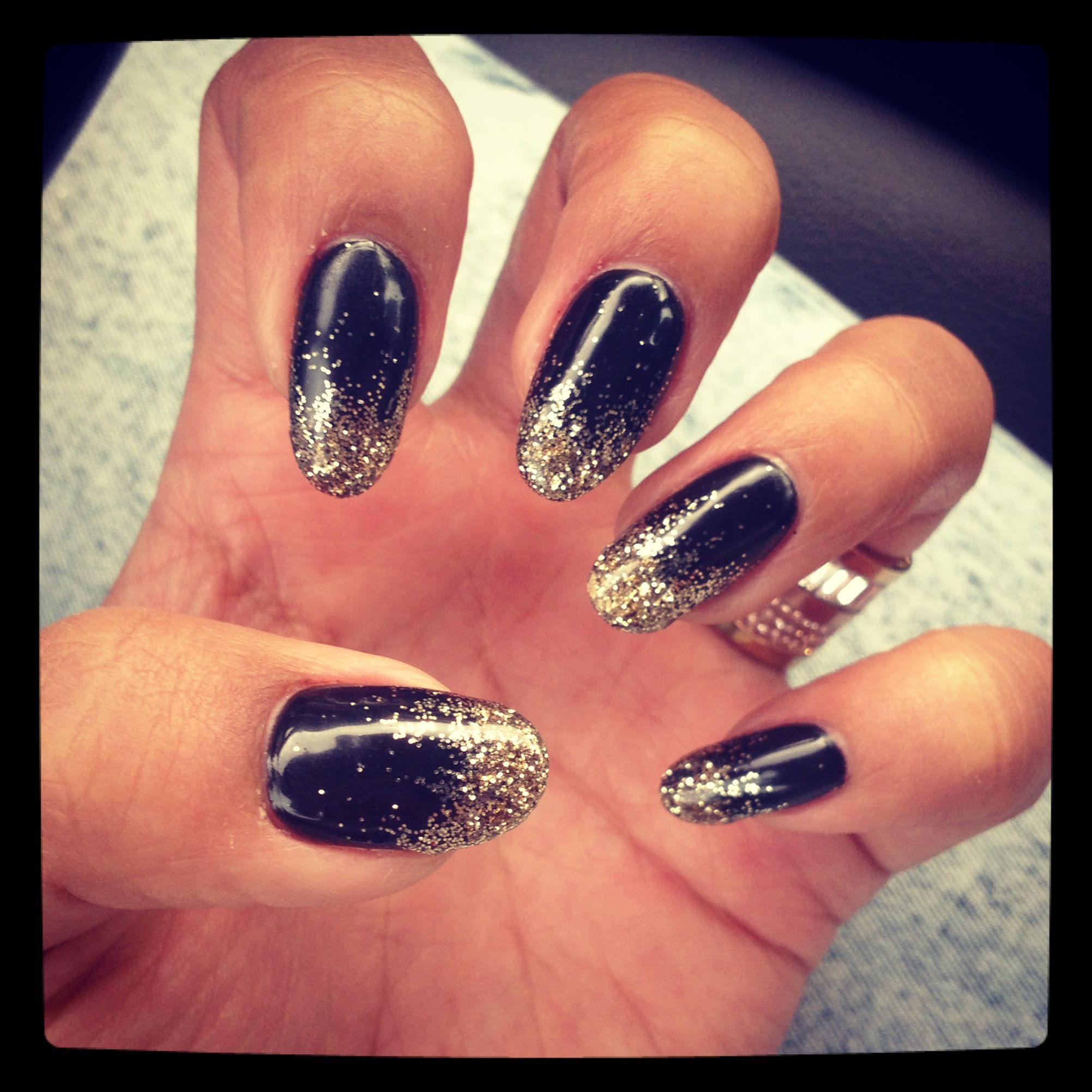 nails designs for black and gold dress   Google Search   New years ...