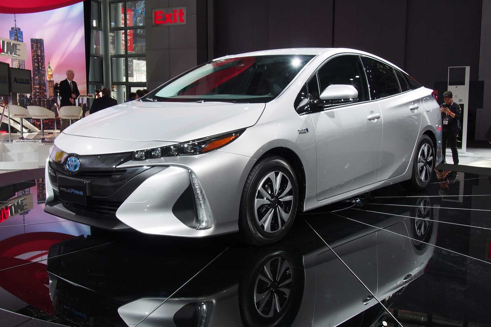 2017 Toyota Prius V Hybrid Review Http Top2016cars