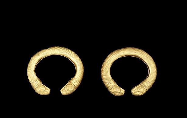 A pair of Achaemenid gold ram-headed bracelets  Circa 5th Century B.C.