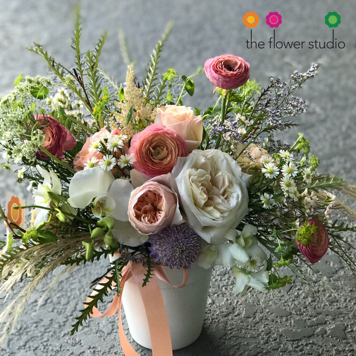 Meet Kristy! The newest member of our Autumn Everyday Collection. Did you know that we named our arrangements ? Isn't it nice? This one was named after Kristy Alonzo / owner of Kristy's Artistry Design Team . A wonderful human being, inside and out. @kristysartistry #bloomnation #ranunculus #gardenroses #orlandoflorist #theflowerstudioo