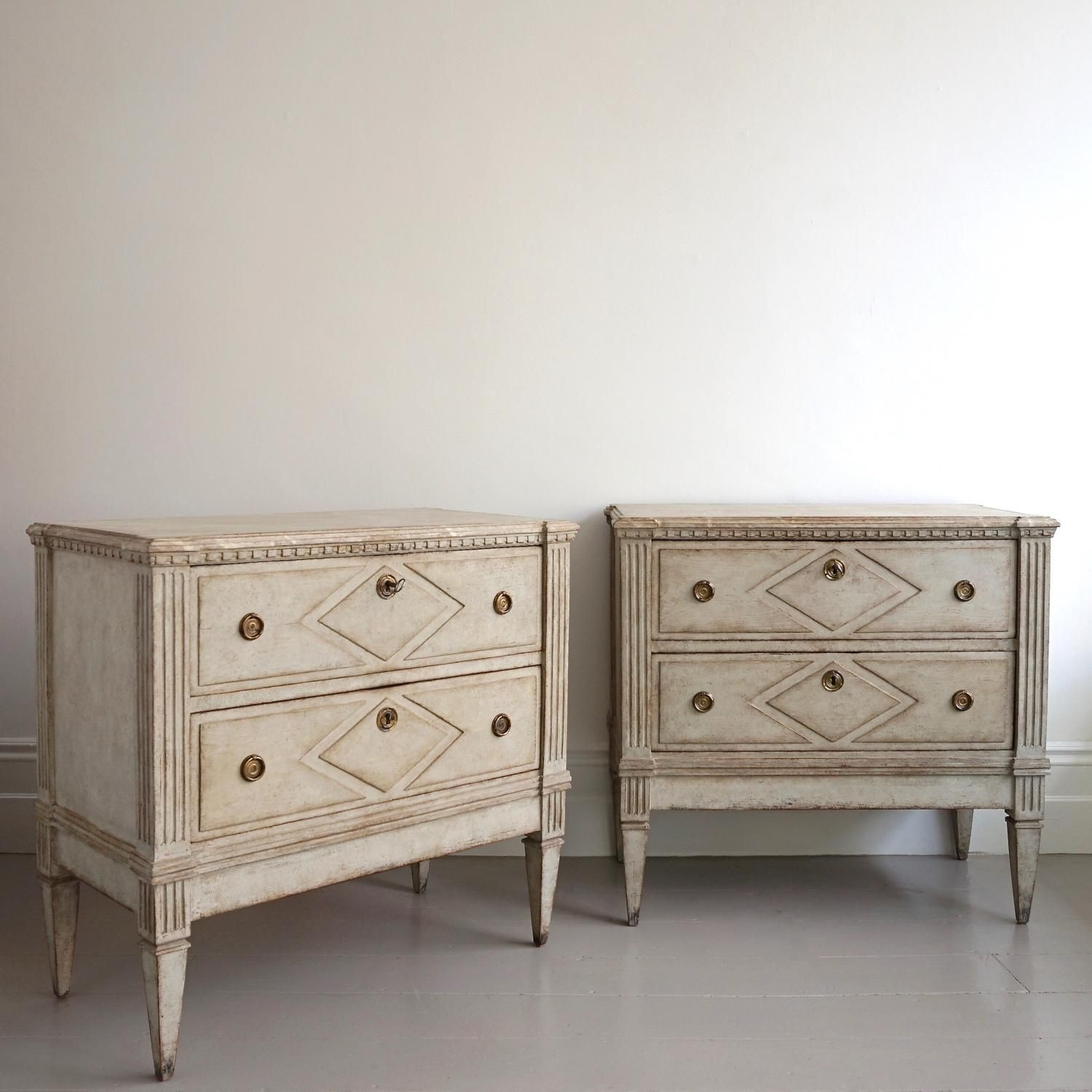 Best Pair Of Swedish Gustavian Bedside Chests In Antique 400 x 300