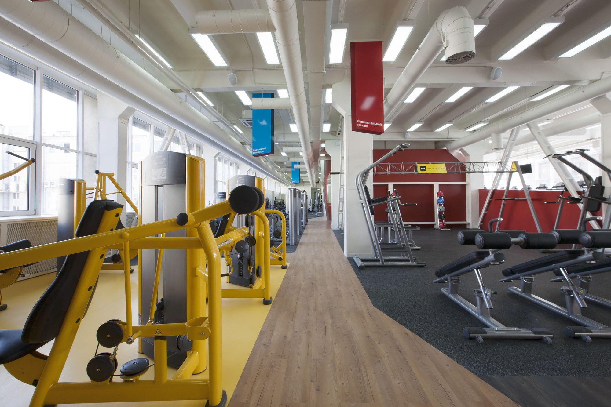 Gallery Of Smena Fitness Club Za Bor Architects 5 Fitness Club Architect Gym Interior