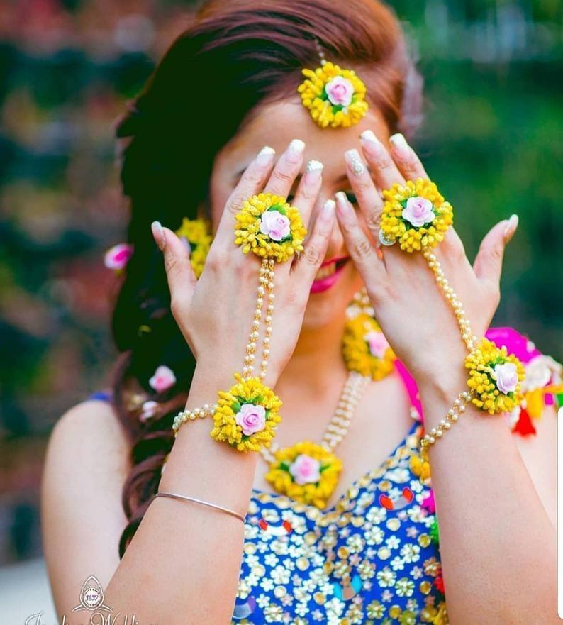 Necklace Earring with Tikka Set of 6 pc Pink /& Yellow Gotta Patti flower Bracelet Hathful