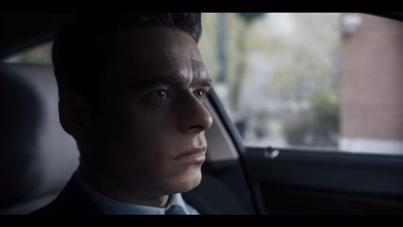 Richard Madden As David Budd In Season 1 Episode 2 Of Bodyguard Source Bbc Netflix Bodyguard Richard Madden On Set