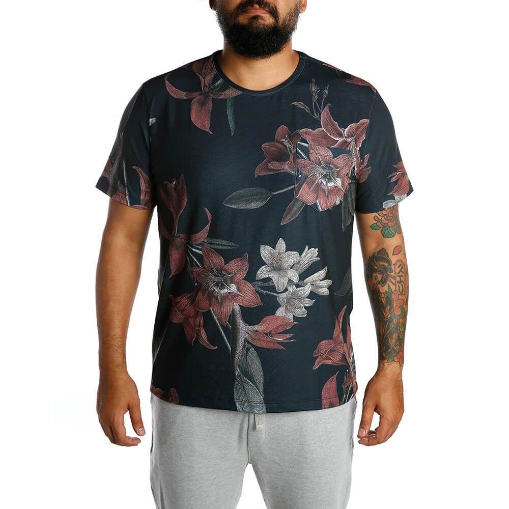 a994fef7ae Camiseta Gola Careca Manga Curta Botânica Noite - Camisetas ...