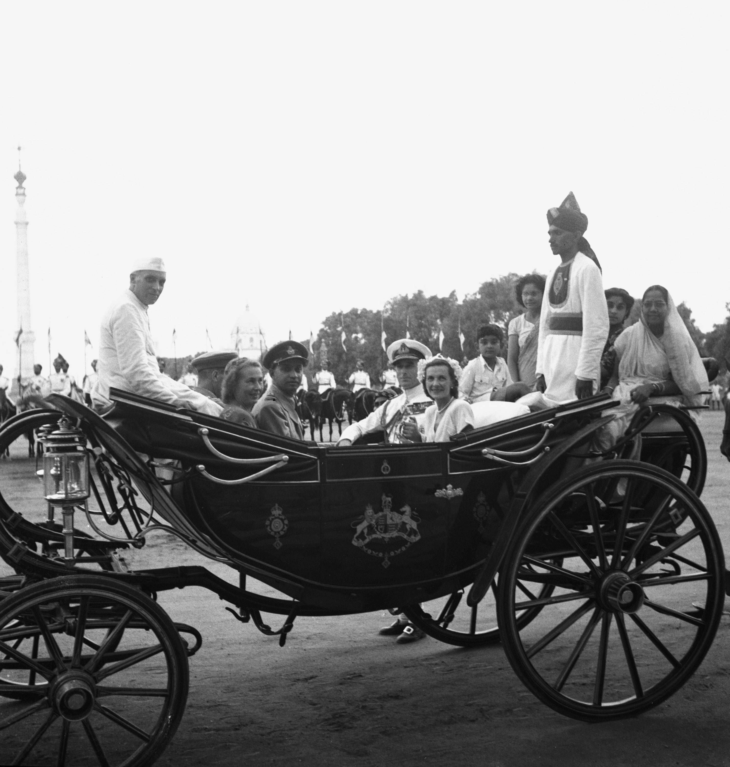 Jawaharlal Nehru rides in a coach with Lord and Lady Mountbatten at India's  Independence Day celebrations in New Delhi, August 15, 1947. With them are  three wom… | History of india, India