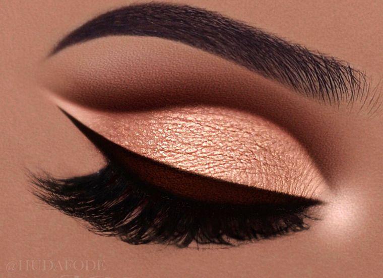Ebony and dark brown Norvina eyeshadow palette