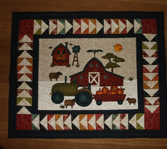 Fall Quilted Wall Hanging Halloween Quilted Wall Hanging Fall Quilted Table Topper Pumpkins Red Barn Sheep Spider With Images Fall Quilts Fall Quilt Patterns Farm Quilt