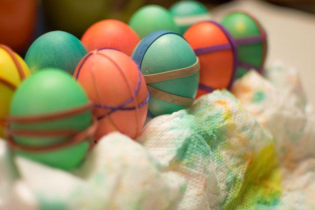 Hometalk :: Three Easy Egg Crafts for #Easter
