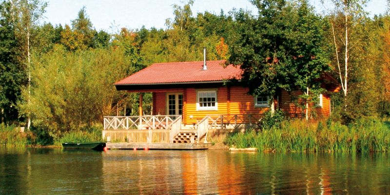 Montys Retreat Log House Holiday Cabin with luxury hot tub in