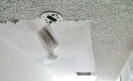 How To Remove Popcorn Ceiling Using Easy Methods How To Remove Popcorn Ceiling With White Paint Gam Removing Popcorn Ceiling Popcorn Ceiling Ceiling Texture