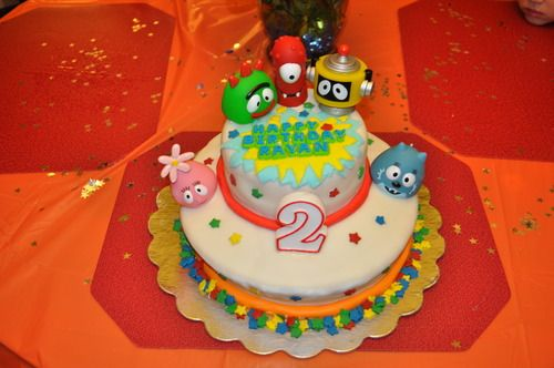 cake idea using squirt toys as toppers