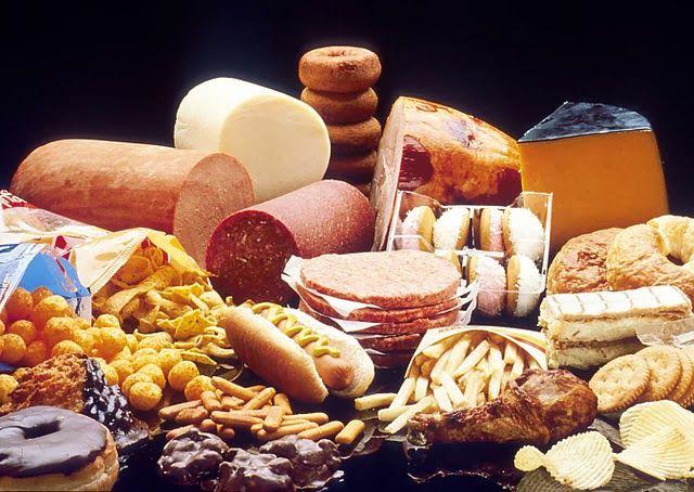 ¿CÓMO REDUCIR EL CONSUMO DE GRASAS? Cómo solucionar el consumo actual del exceso de grasa con pequeños actos en tu alimentación diaria.