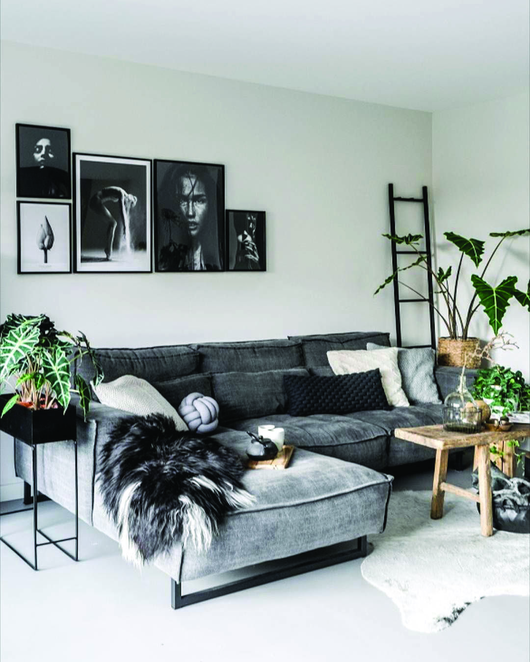 Stunning Gray Living Room Suggestions In 2020 Small Modern Living Room Small Apartment Living Room Living Room Decor Apartment