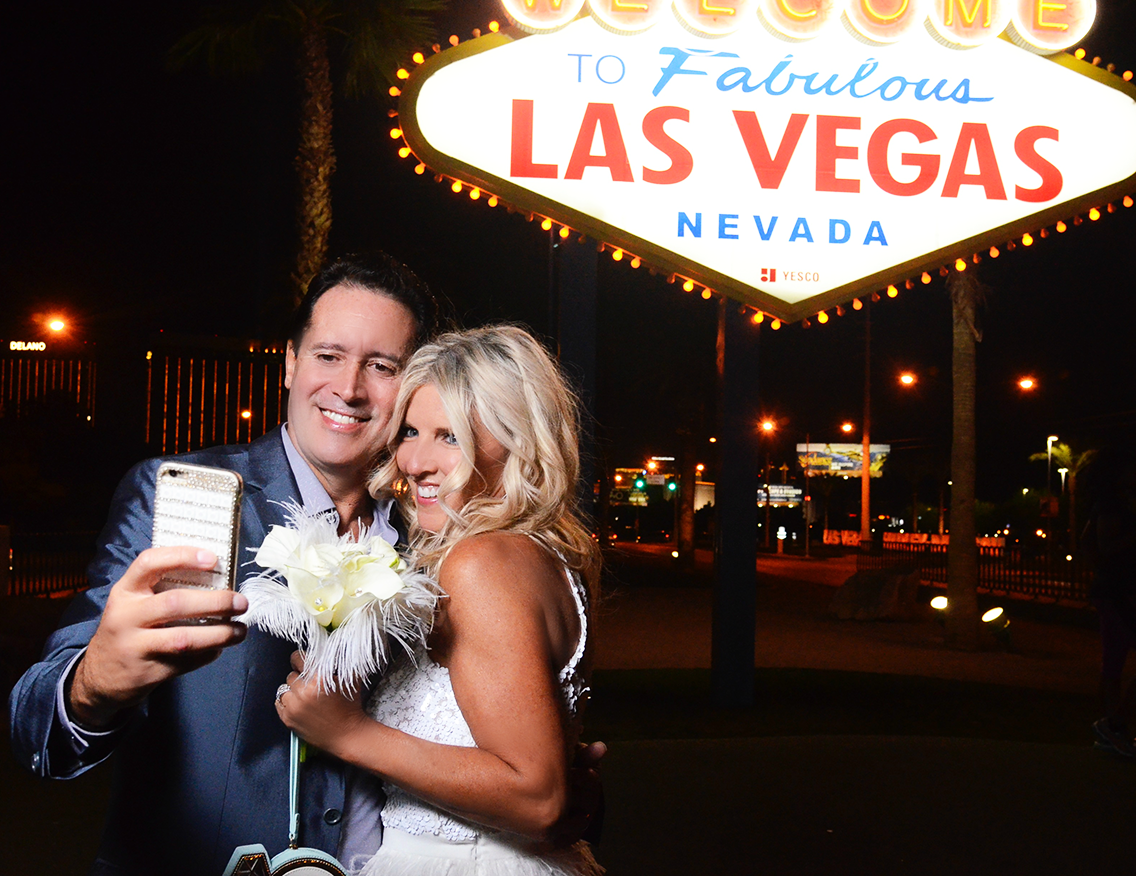 Who Says Las Vegas Weddings Cant Be Both Classy And Spunky Take A