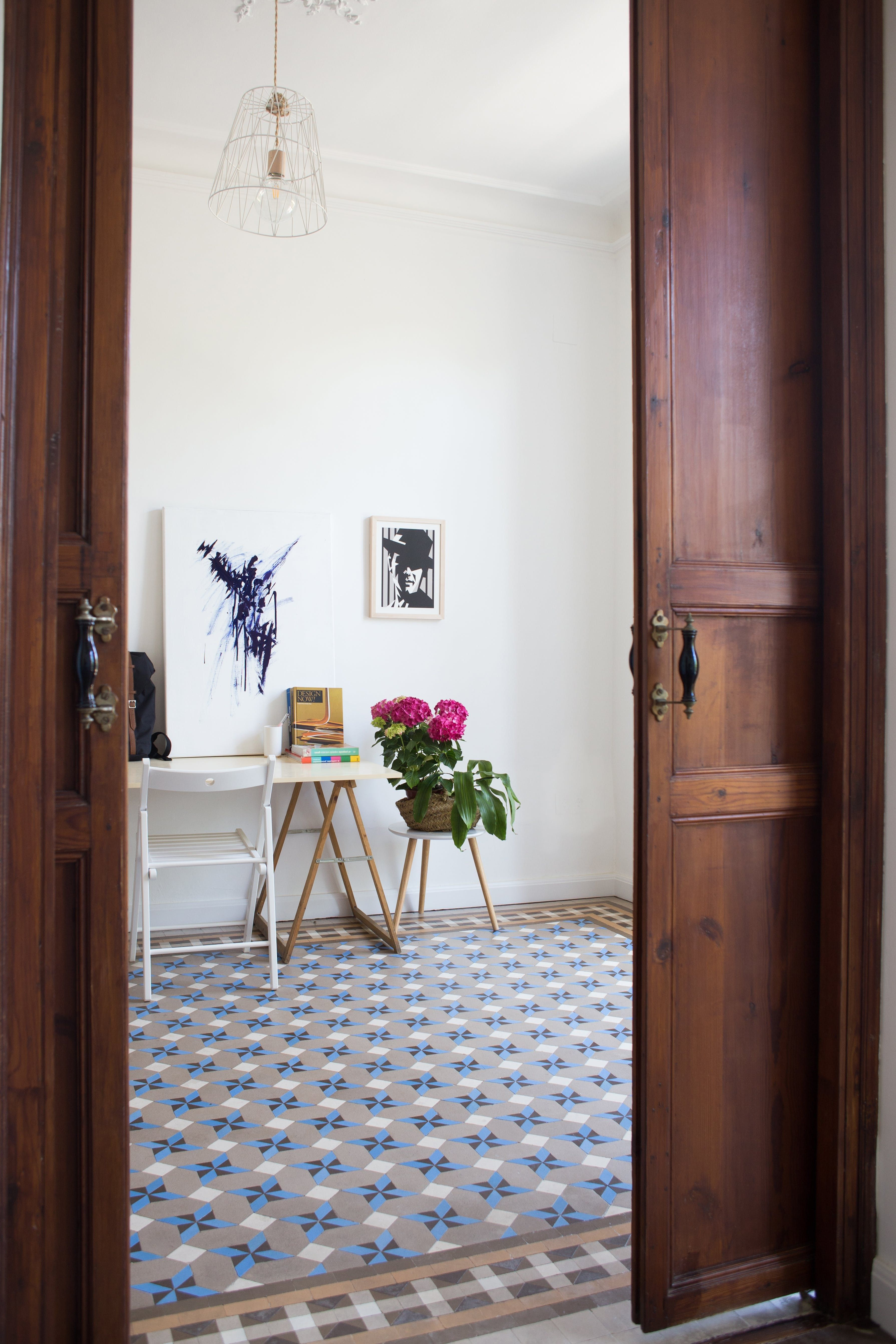 A Minimal Modern Renovated Spanish Home Spanish Entry Foyer  # Muebles Voila Murcia