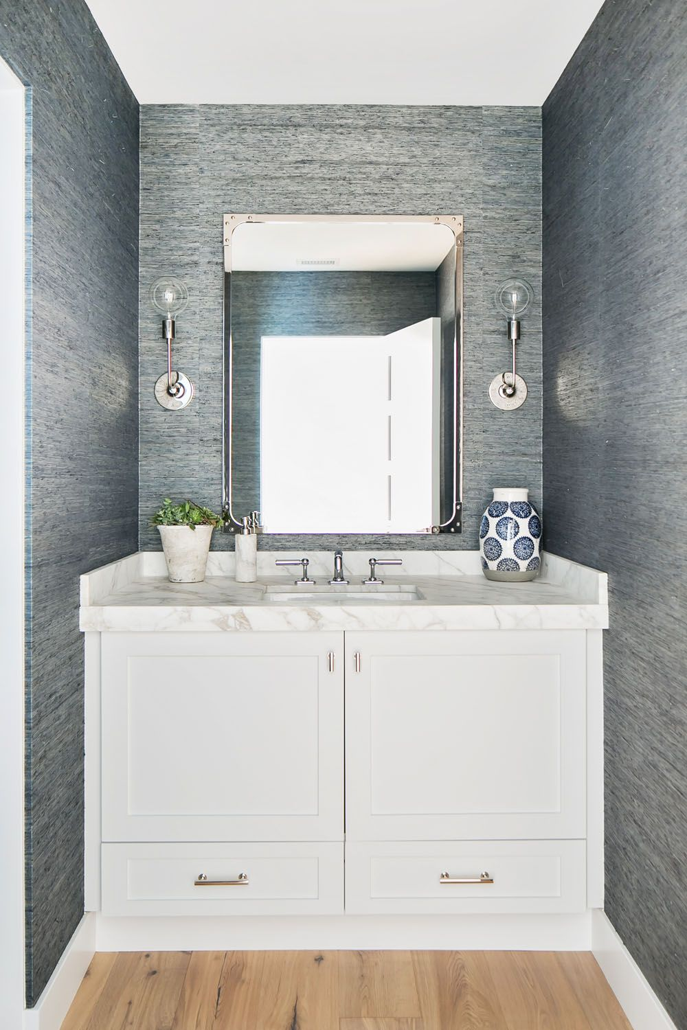 East Coast Style Finds A Home On The West Coast Rue Bathroom Style East Coast Style Finding A House