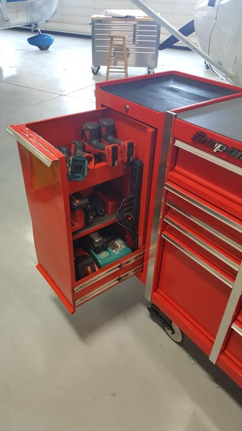 Fabricating a Snap-On KRL1099PBO 'like' toolbox out of the