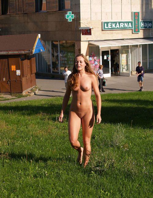 Amateur Exhibitionists In Public Places