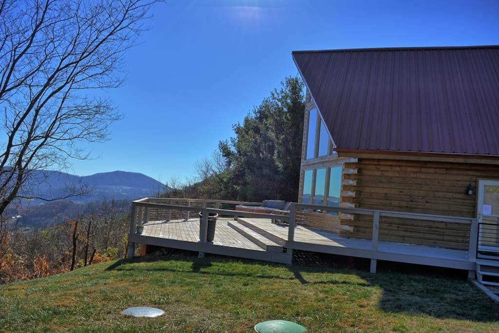 Entire Home Apt In West Jefferson United States Free Fun Included Every Day To Enhance Your Vacation Experie In 2020 Mountain Cabin Rentals Breathtaking Views Cabin