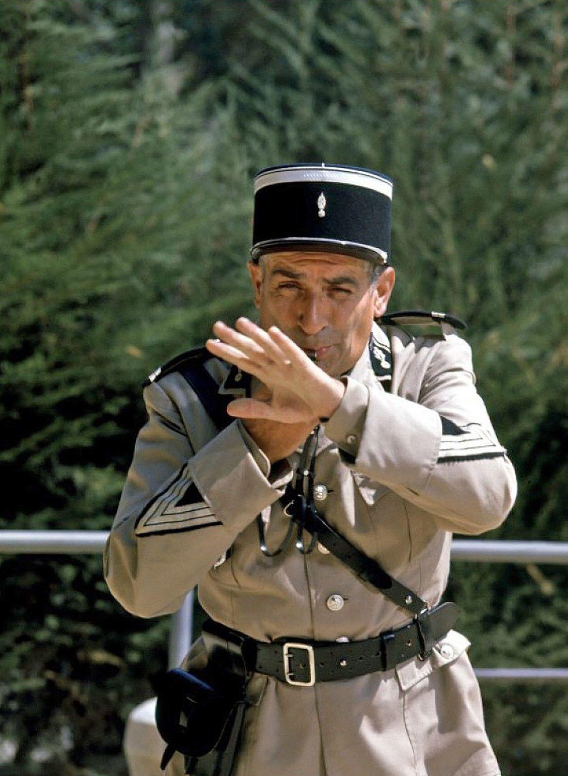 11x15 cm #56 Foto der Gendarme von Marie Louis De Funes Guy Grosso