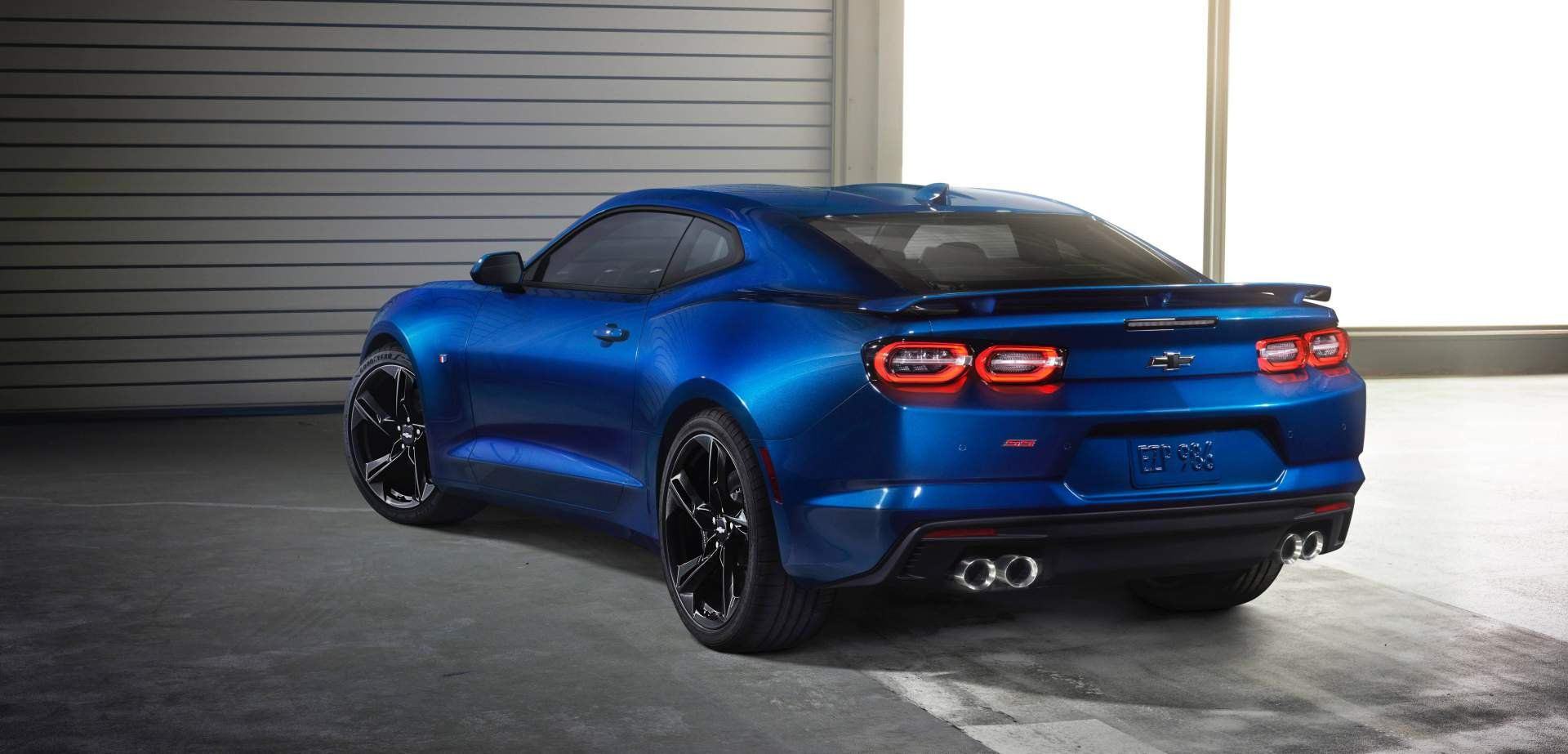 Chevrolet Introduces 3 000 Camaro Discount For Current Ford