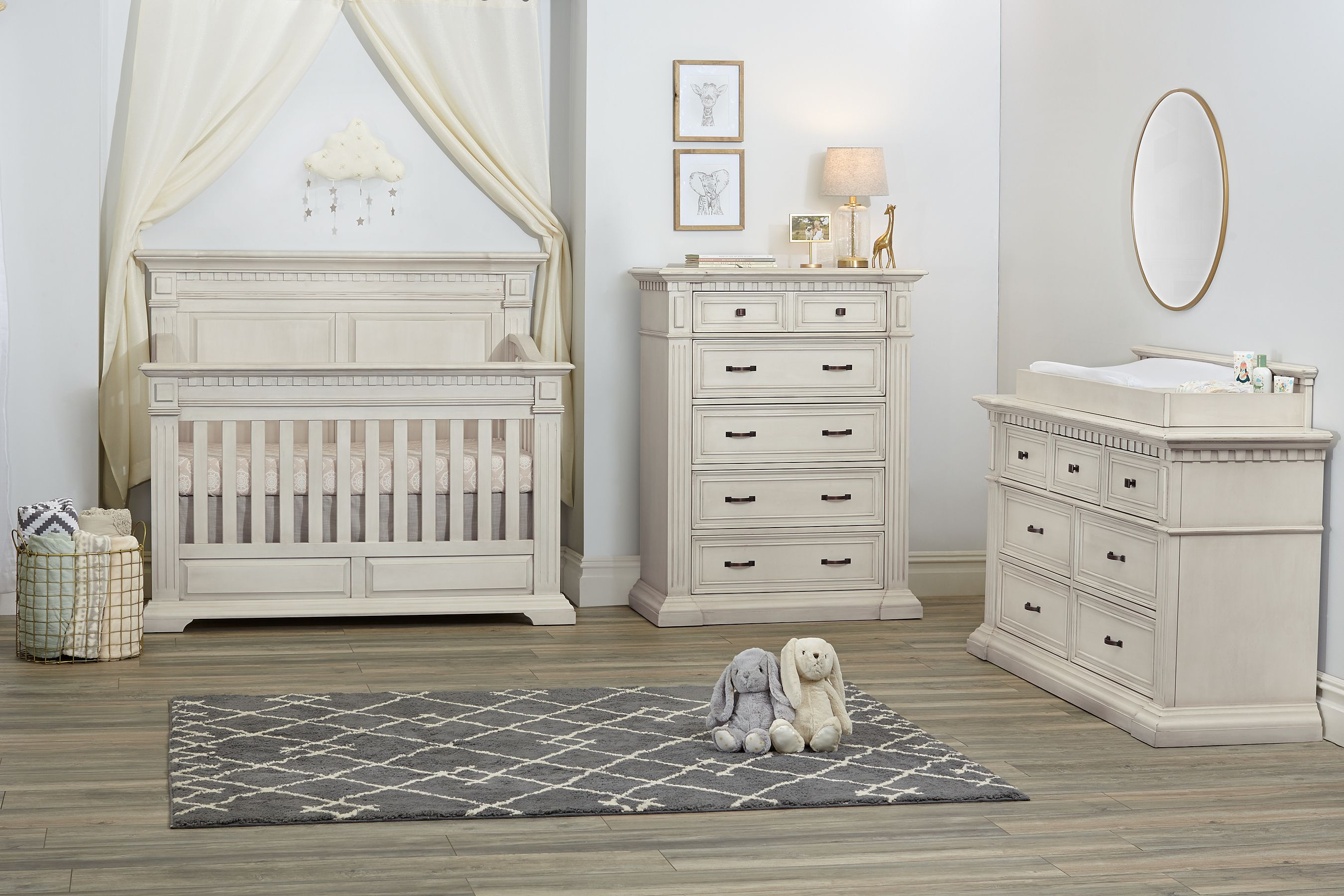 Kingsley Venetian Collection In Antique White Kingsley Crib Nursery White Nursery Furniture Nursery Furniture Sets White Nursery Furniture Sets