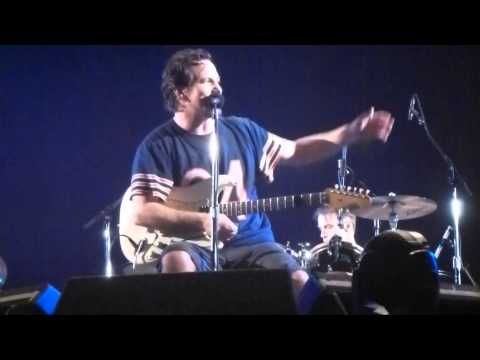Pearl Jam - Future Days - Rock Werchter 5-July-2014 - YouTube