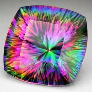 16.10ct. Exotique Mystic Topaz Cushion Concave VVS Loose Gemstone, coussin topaze