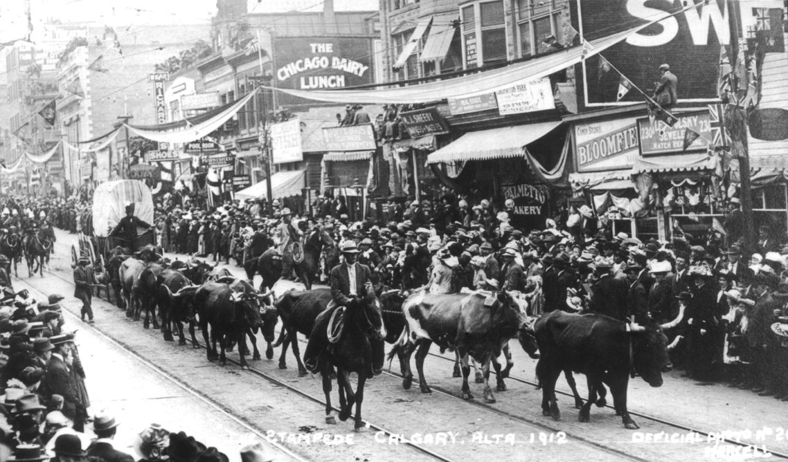 "Stampede 100 Day Countdown: 1912 - Guy Weadick promised a spectacular parade, and boy, did he deliver.    The Calgary Herald reported that ""fully eighty thousand people saw the parade,"" . . .  turning out en masse to witness the event, considered to be the  ""greatest pageant of western types and western history ever gathered together on the American continent ."""