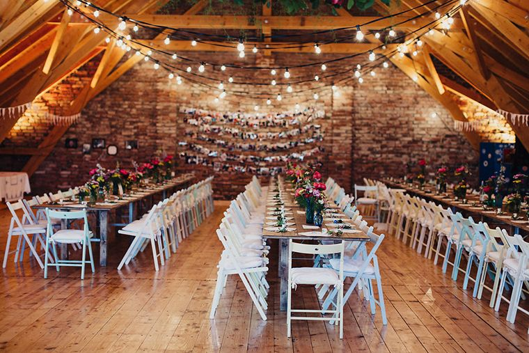 Hochzeit im Folklore Stil | Friedatheres.com  Fotos: Daniela Reske Blumen: Stil(l)eben Kleid: Victoria Rüsche Mobiliar: Nimm Platz Torte: Ebrus Kitchen