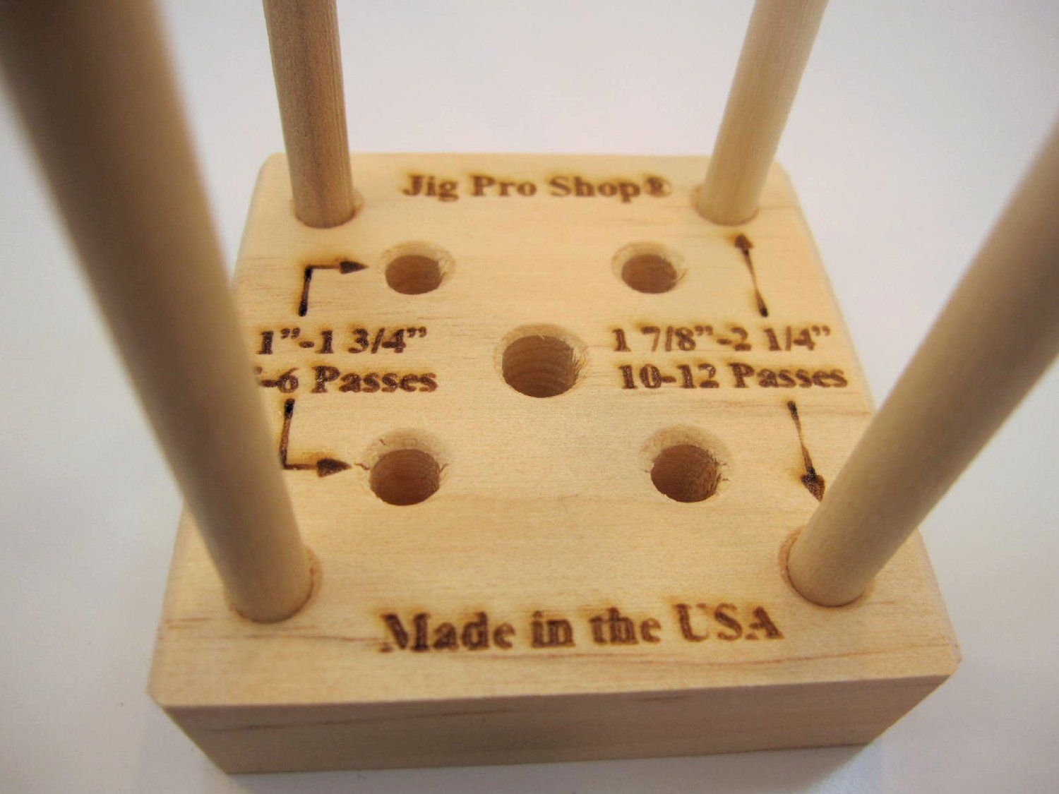 How To Build The Compact Paracord Jig With Images Paracord Jig