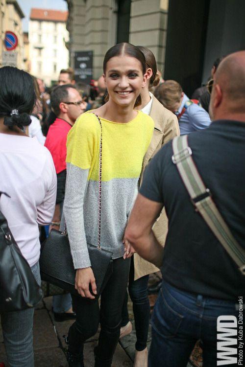 womensweardaily:    They Are Wearing: Milan Fashion Week