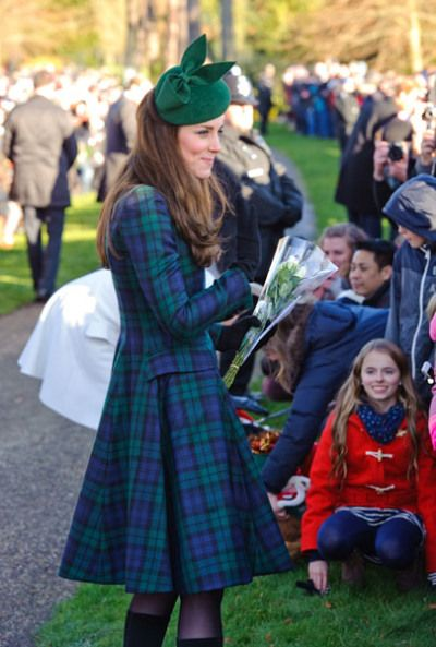 Pin By Carina Teed On Graces Room In 2019: Even The Duchess Of Cambridge Is Wearing Tartan!;D