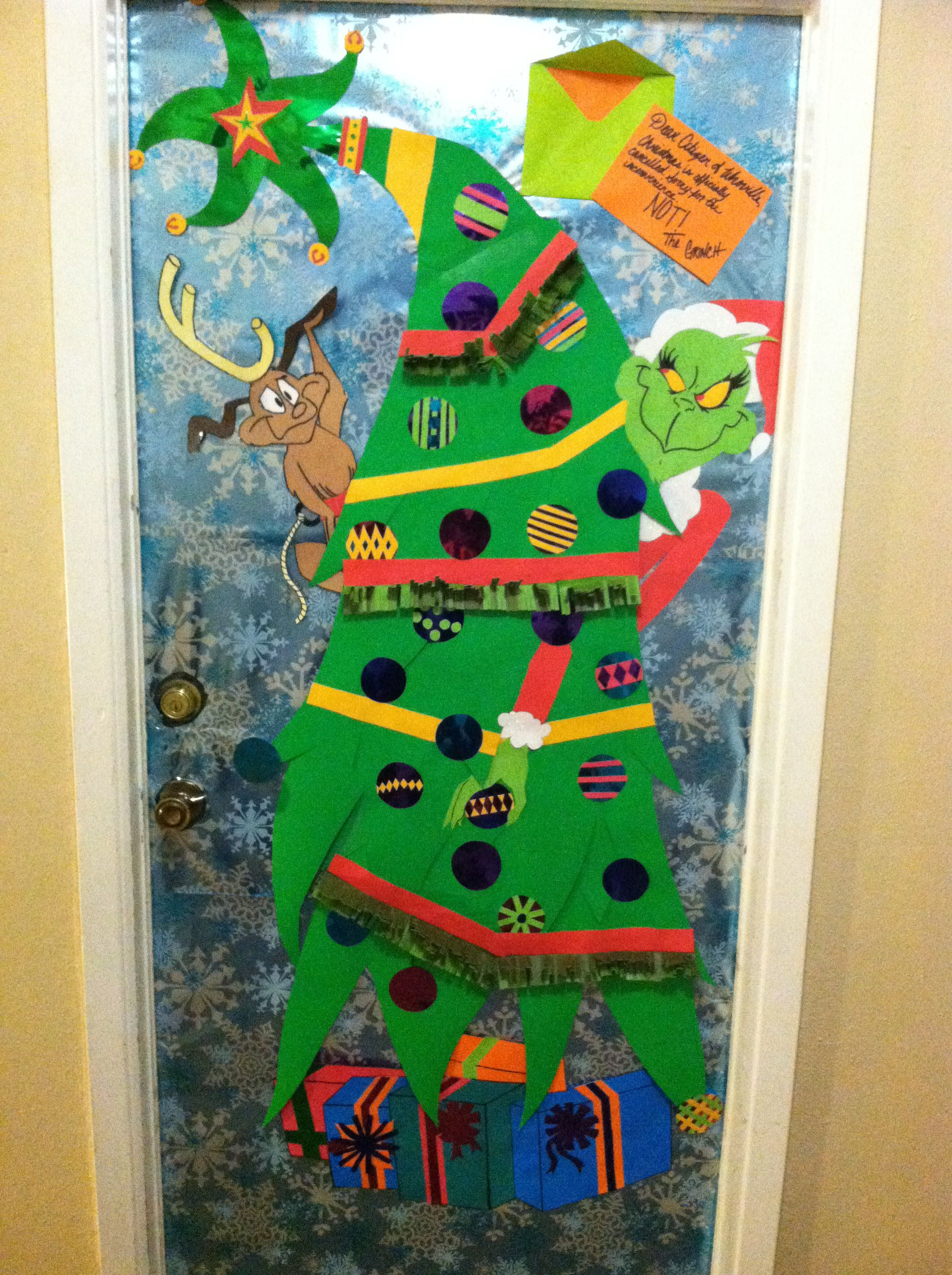 Christmas Door Decorating Contest In My New Apartment