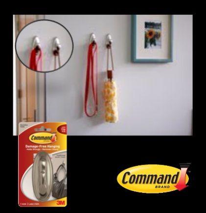 Con los Ganchos Plateados Ovalados de Command puedes colgar las sombrillas en épocas de lluvia y tenerlas siempre listas antes de salir.    - 1 gancho, 2 tiras.  - Capacidad de peso: 1 kg.