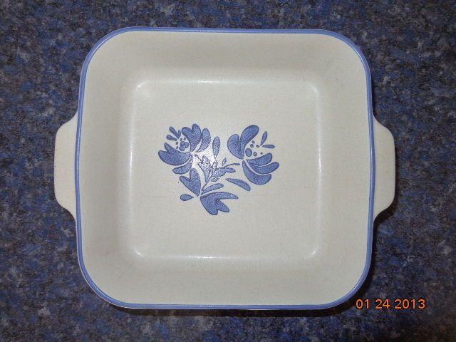 Pfaltzgraff Blue Yorktowne 9 Inch Quiche Dish Excellent Condition