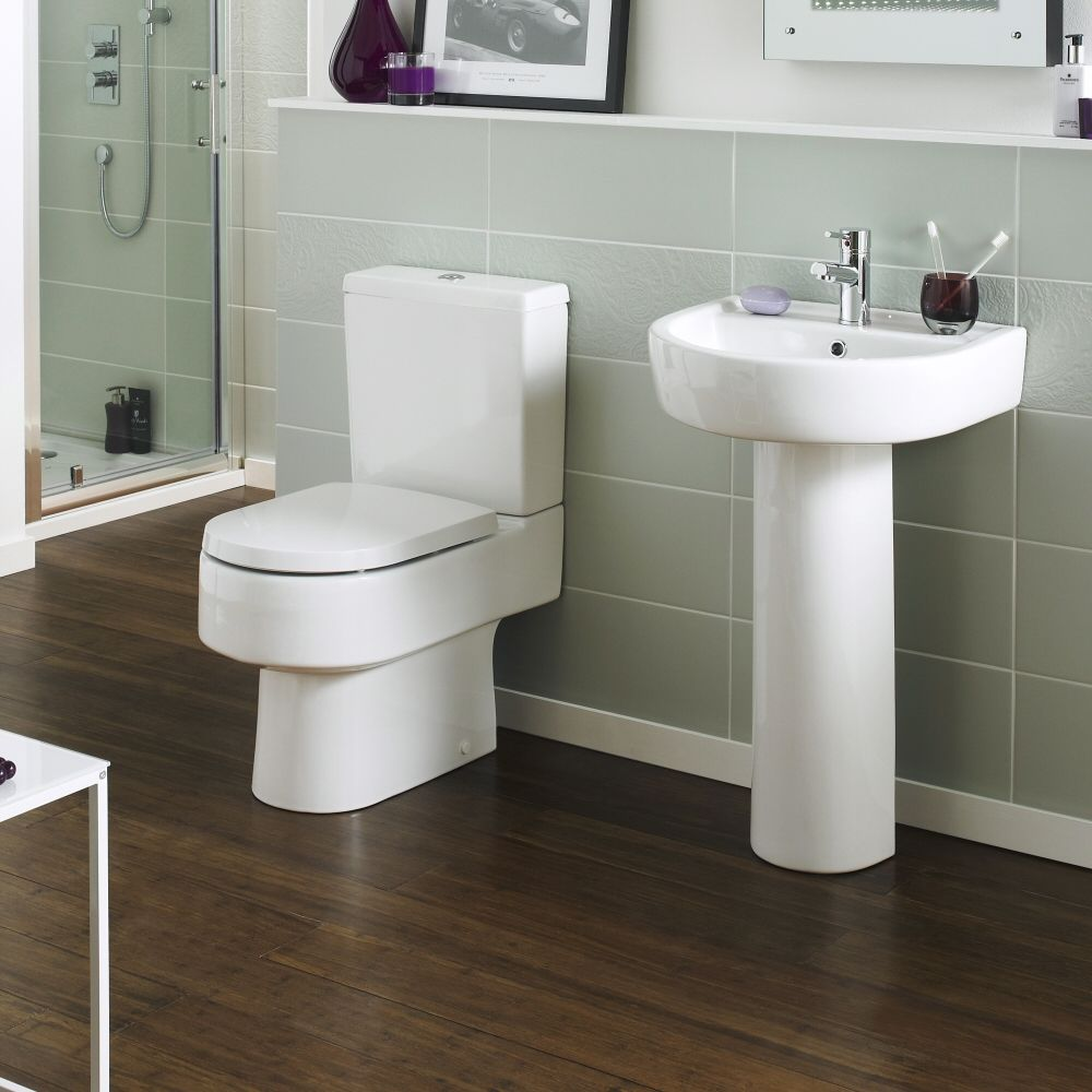 toilette keramik mit sp lkasten und toilettensitz sandra und michel pinterest toiletten. Black Bedroom Furniture Sets. Home Design Ideas