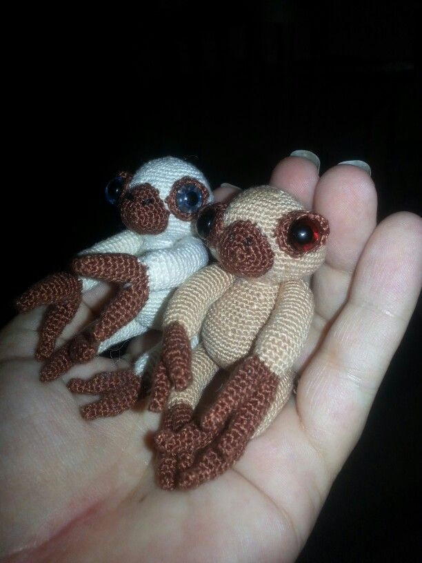 micro sloths using a 0.9mm crochet hook and a patchworkmoose pattern