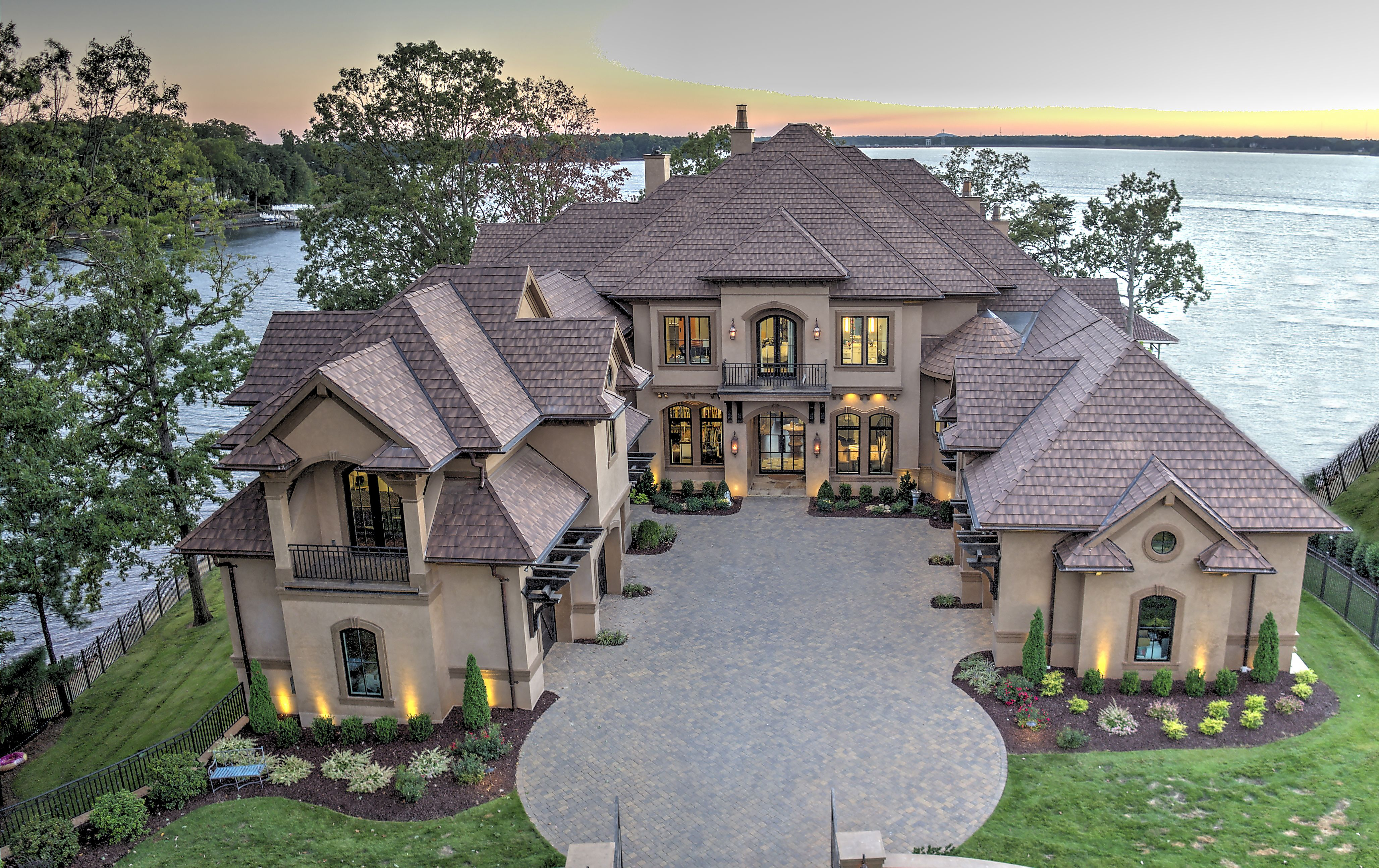 Lakeside Hideaway Custom Waterfront Home Design Naples Fl Lake Houses Exterior Mansions Lakefront Homes