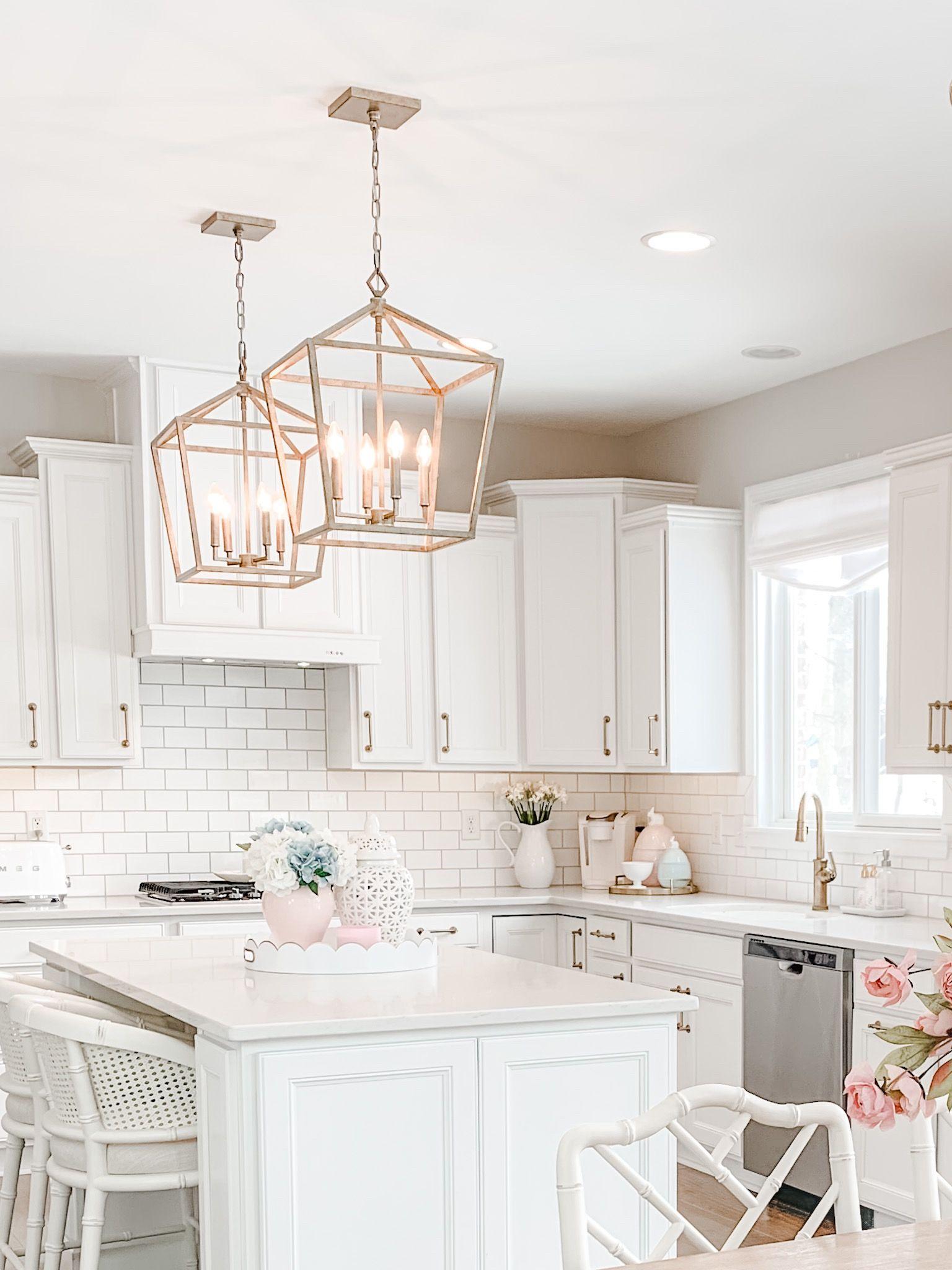 Classic Chic White Kitchen Classic White Kitchen Kitchen Decor Themes Gold Kitchen Hardware