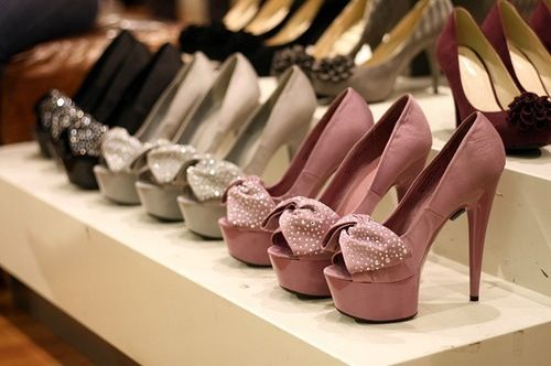 I love to shop shoes!!