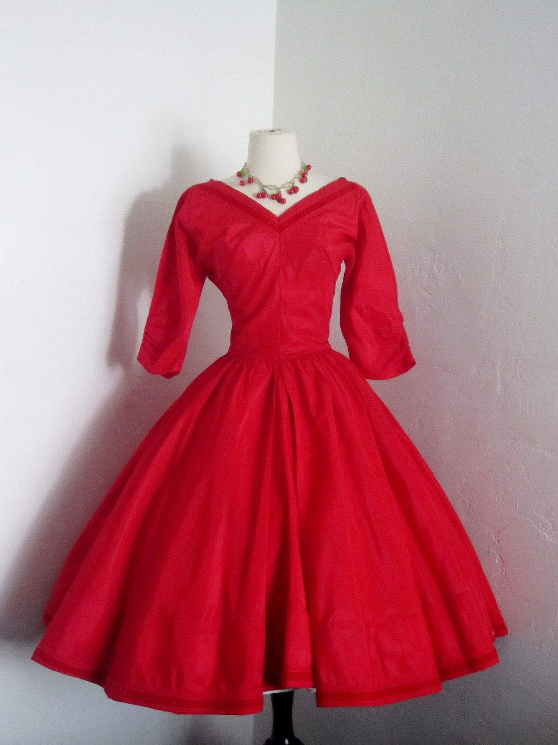 Vintage 1950 S Emma Domb California True Holiday Red Etsy Vintage Red Dress Perfect Holiday Dress Dresses [ 1500 x 1125 Pixel ]