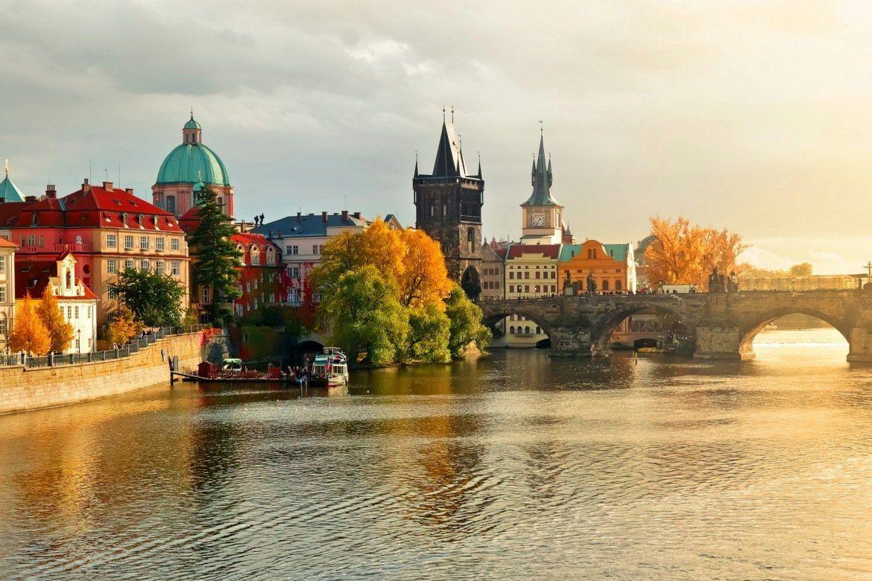 其實秋天才是最適合旅遊的季節,推薦你一定要在秋天拜訪的6個景點