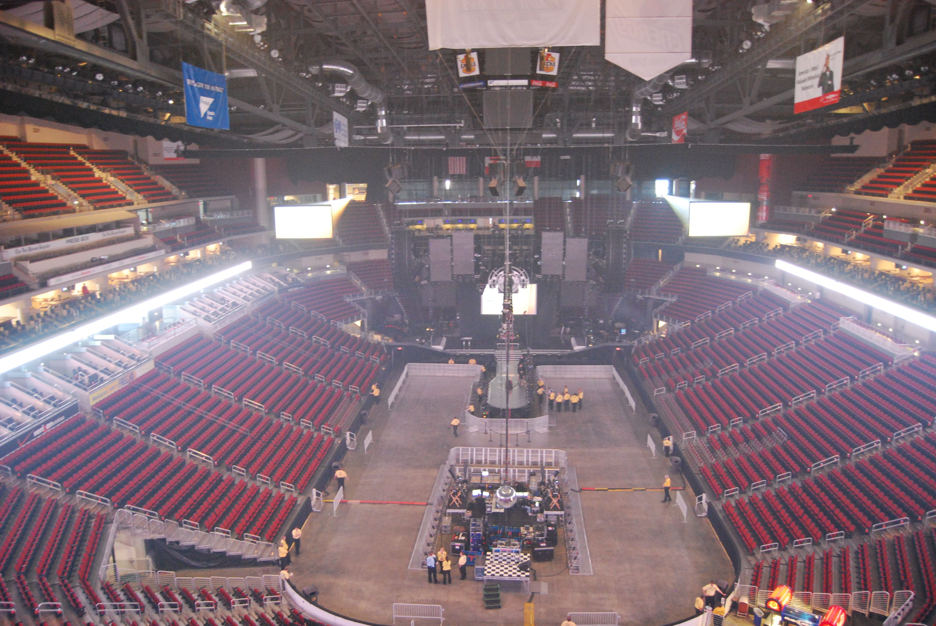 Open Floor At Wells Fargo Arena Concert Red Tour Best Night Ever Im Awesome