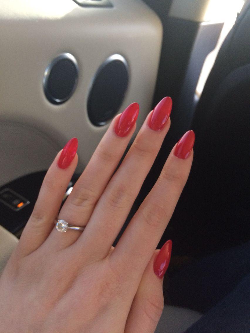Oval almond red nails | Claws | Pinterest | beste Nägel, Fingernägel ...