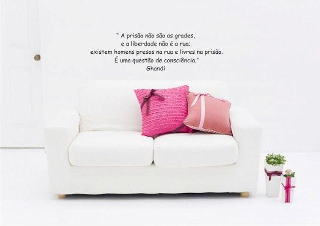 http://milenegualberto.blogspot.com.br/2012/02/adesivos-uma-ideia-que-colou.html